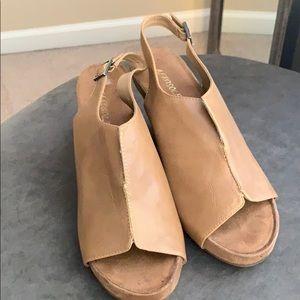 Brand new tan aero soles